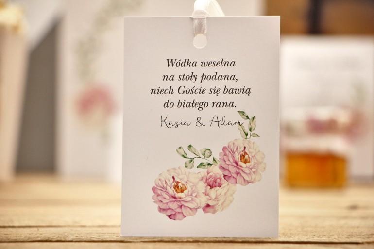 Zawieszka na butelkę, wódka weselna, ślub - Kalia nr 6 - Pudrowe róże - kwiatowe dodatki ślubne
