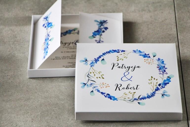 Efektowne Zaproszenie ślubne w pudełku - Pistacjowe nr 7 - Delikatne gałązki w odcieniach niebieskiego