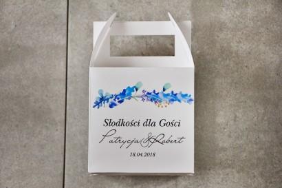 Pudełko na ciasto kwadratowe, tort weselny - Pistacjowe nr 7 - Delikatne, błękitne zimowe gałązki