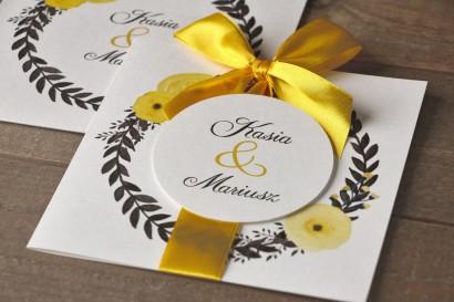 Zaproszenia ślubne w etui - Malowane Kwiaty nr 18 - Żółte jaskry - z kokardą