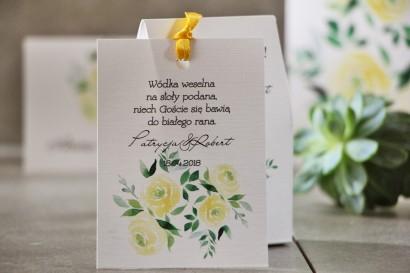 Zawieszka na butelkę, Wódka weselna, ślub - Pistacjowe nr 9 - Delikatne akwarelowe żółte róże