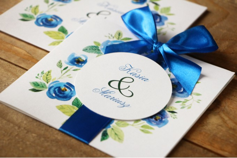 Zaproszenia ślubne w etui - Malowane Kwiaty nr 23 - Chabrowe - z kokardą
