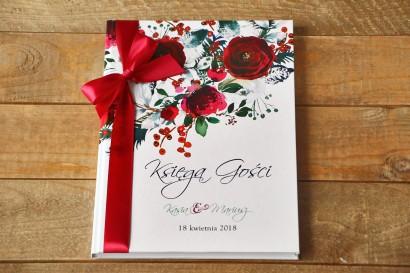 Ślubna Księga Gości - Elegancka, zimowa kompozycja z kwiatami róży, jarzębiną i gałązkami świerku