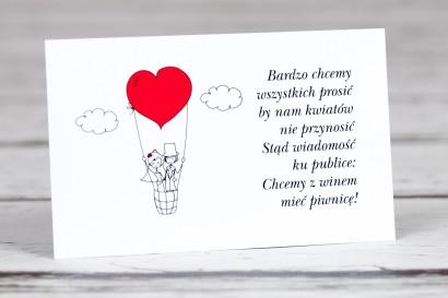 Bilecik do zaproszenia ślubnego z kolekcji Bueno nr 1 - Rysunkowa para w czerwonym latającym balonie dryfującym w chmurach