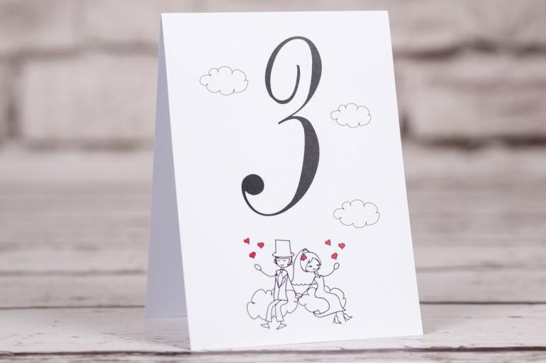 Numery stołów Bueno nr 3 - Rysunek zakochanej Pary Młodej dryfującej w chmurach