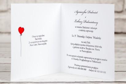 Wnętrze zaproszenia Bueno nr 5 - Rysunek Pary Młodej z czerwonymi balonikami biegnącej w swoje objęcia