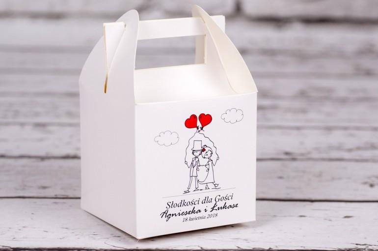 Pudełko kwadratowe na Ciasto weselne z kolekcji Bueno nr 6 - Para Młoda z czerwonymi balonami w nieformalnym stylu rysunkowym