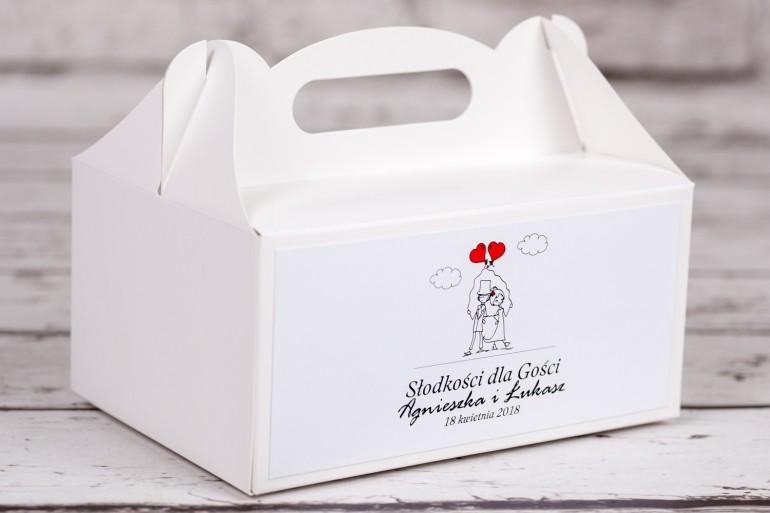Pudełko prostokątne na Ciasto weselne z kolekcji Bueno nr 6 - Para Młoda z czerwonymi balonami w nieformalnym stylu rysunkowym
