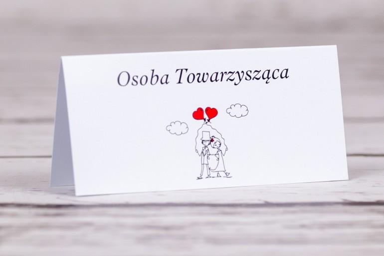 Winietki, wizytówki na stół weselny z kolekcji Bueno nr 6 - Para Młoda z czerwonymi balonami w nieformalnym stylu rysunkowym