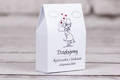 Ślubne pudełeczka na słodkości dla gości weselnych z kolekcji Bueno nr 8 - Rysunkowa zakochana para w objęciach miłości
