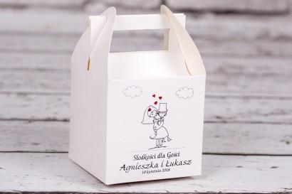 Pudełko kwadratowe na ciasto weselne z kolekcji Bueno nr 8 - Rysunkowa zakochana para w objęciach miłości