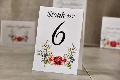 Numery stolików, stół weselny, Ślub - Pistacjowe nr 11 - Róże w odcieniach bordo i pomarańczy