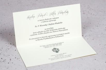 Wnętrze Zaproszenia ślubnego Moreno nr 3 - owinięte perłowo-kremową owijką z bogato zdobionym ornamentem i cyrkonią