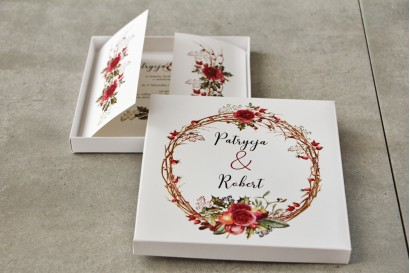Efektowne Zaproszenie ślubne w pudełku - Pistacjowe nr 14 - Zimowo-świąteczny wianek z różami i owocami