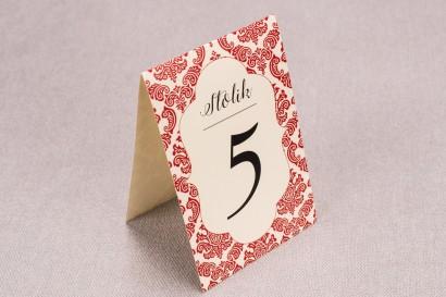 Ślubne numery stolików weselnych z kolekcji Madras nr 5 - czerwone ornamenty