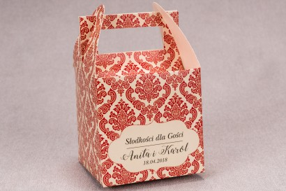 Ślubne pudełko na ciasto weselne kwadratowe z kolekcji Madras nr 5 - czerwone ornamenty