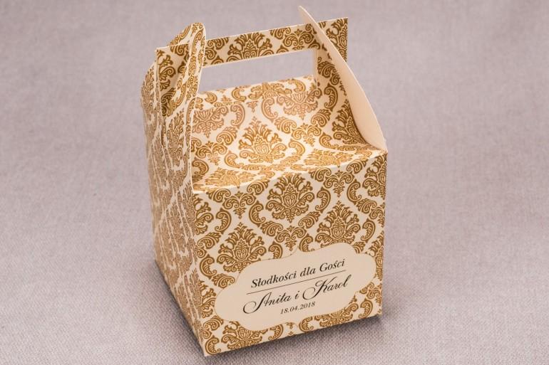 Ślubne pudełko na ciasto weselne kwadratowe z kolekcji Madras nr 7 - ciepło brązowe ornamenty