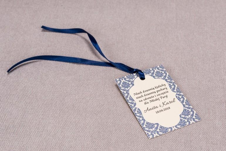 Ślubne zawieszki na butelki weselne z kolekcji Madras nr 2 - niebieskie ornamenty