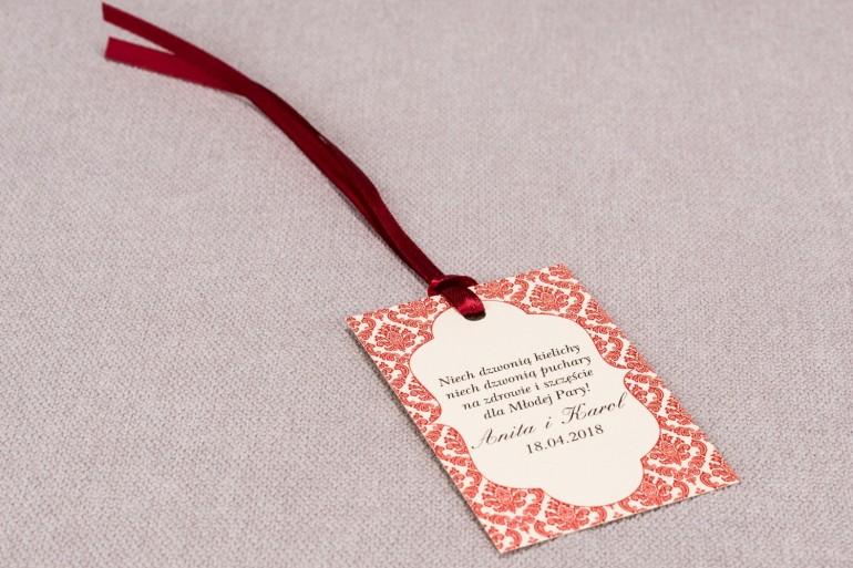 Ślubne zawieszki na butelki weselne z kolekcji Madras nr 5 - czerwone ornamenty