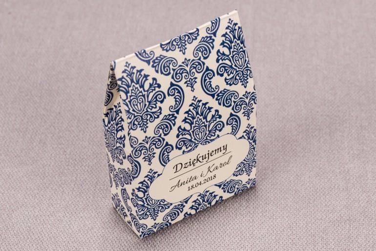 Ślubne Pudełeczko na słodkości dla gości weselnych z kolekcji Madras nr 2 - niebieskie ornamenty