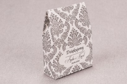 Ślubne Pudełeczko na słodkości dla gości weselnych z kolekcji Madras nr 6 - szare ornamenty
