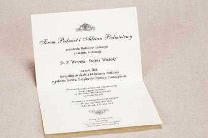 Klasyczne zaproszenia ślubne z brązową koronką i intensywną amarantową kokardką - Wnętrze zaproszenia Klaris nr 2