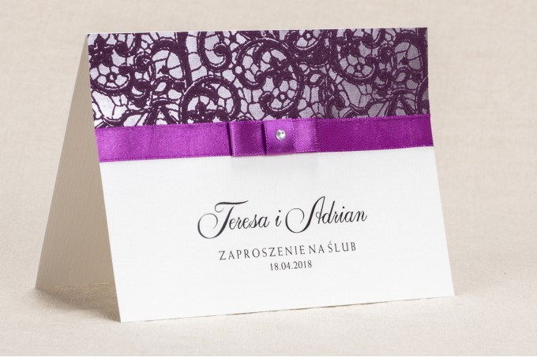 Eleganckie zaproszenia ślubne z koronką w kolorystyce fioletu - Klaris nr 3