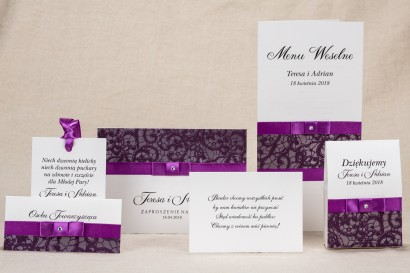Eleganckie zaproszenia ślubne z koronką w kolorystyce fioletu - Zestaw próbny Klaris nr 3