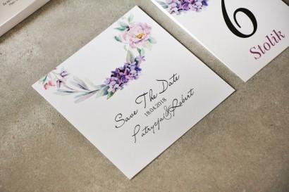 Bilecik Save The Date do zaproszenia - Pistacjowe nr 15 - Pastelowo fioletowe kwiaty
