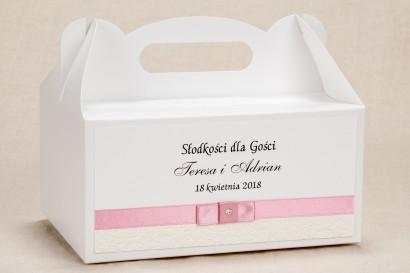 Ślubne Pudełko (prostokątne) na Ciasto  weselne - Klasyczny, biały wzór z elegancką białą koronką i akcentem jasnego różu