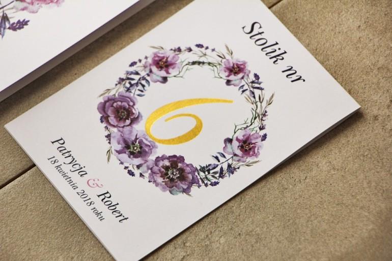 Numery stolików, stół weselny, Ślub - Cykade nr 9 ze złoceniem - Fioletowe polne kwiaty