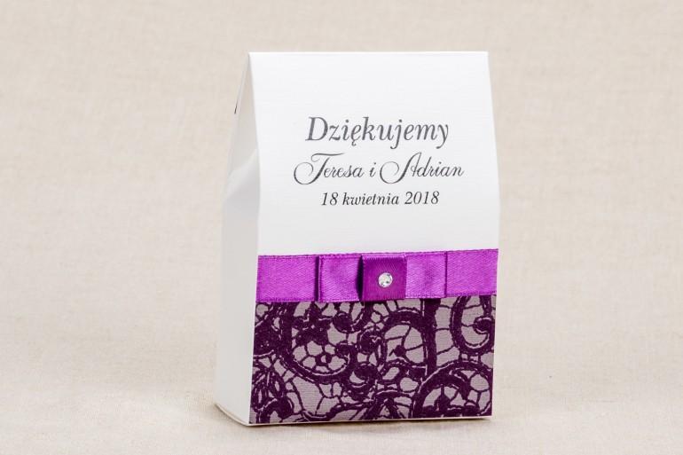 Ślubne pudełeczka na słodkości dla gości weselnych - Elegancki wzór z piękną fioletową koronką