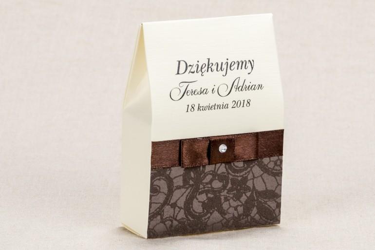 Ślubne pudełeczka na słodkości dla gości weselnych - Klasyczne pudełeczko z brązową koronką