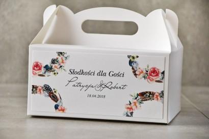 Prostokątne pudełko na ciasto, tort weselny, Ślub - Pistacjowe nr 16 - W stylu boho z piórkami i różowymi kwiatami