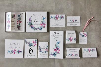 Efektowne zaproszenie ślubne w pudełku z dodatkami - Pistacjowe 17 - Leśne owoce z chłodnych barwach
