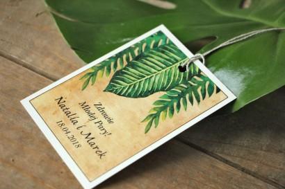 Zielone Ślubne zawieszki na butelki weselne z paprociami i zielonymi liśćmi w stylu greenery - Karmelowe nr 5