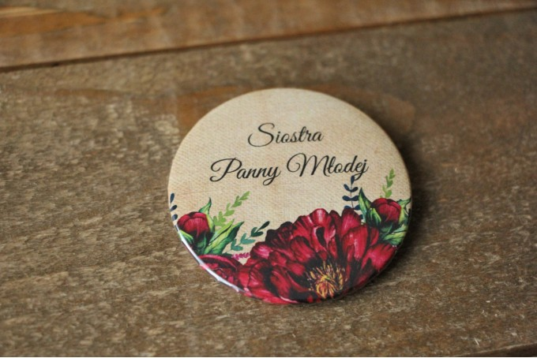 Rustykalne Ślubne przypinki dla gości weselnych z bordowymi piwoniami - Karmelowe nr 6