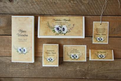 Rustykalne zaproszenia ślubne z białymi zawilcami (anemonami) - Zestaw próbny - Karmelowe nr 7