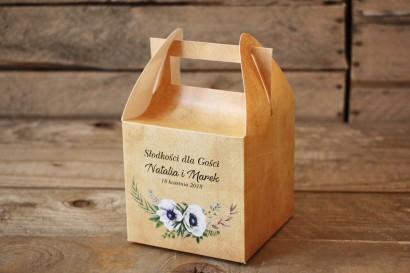 Rustykalne Pudełka (kwadratowe) na Ciasto weselne z białymi zawilcami (anemonami) - Karmelowe nr 7