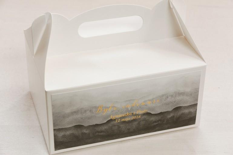 Szare, akwarelowe pudełko na ciasto weselne ze złoceniem