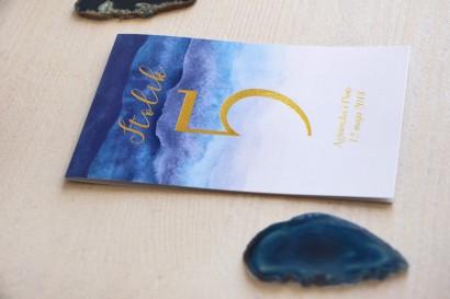 Niebieskie, akwarelowe numery stolików weselnych - Delfina nr 3