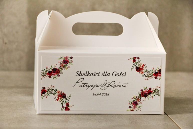 Prostokątne pudełko na ciasto, tort weselny, Ślub - Pistacjowe nr 18 - Eleganckie róże w kolorze bordowym