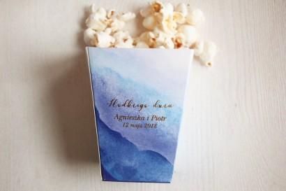 Niebieskie, akwarelowe pudełko na popcorn lub inne słodkości dla gości weselnych. Podziękowanie dla gości weselnych, ślubnych.