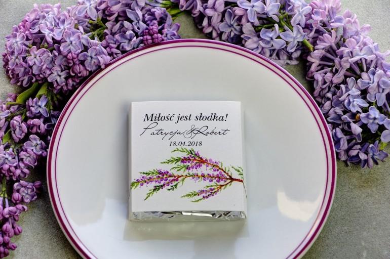 Podziękowanie dla gości weselnych w postaci mlecznej czekoladki, owijka z grafiką z akwarelowym wiankiem