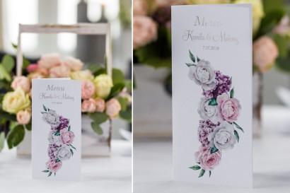 Menu ślubne, weselne ze srebrnymi napisami. Białe i różowe piwonie oraz kwiaty bzu