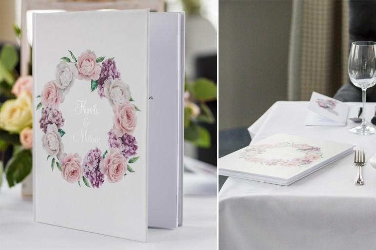 Weselna, ślubna Księga Gości ze srebrnymi napisami. Wianek z białymi i różowymi piwoniami oraz kwiatami bzu