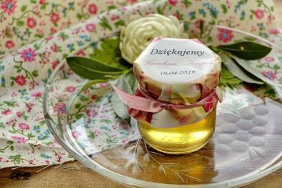 Słodkie upominki dla gości weselnych, ślubnych w postaci słoiczków z Miodem. Elegancki wzór piwonii