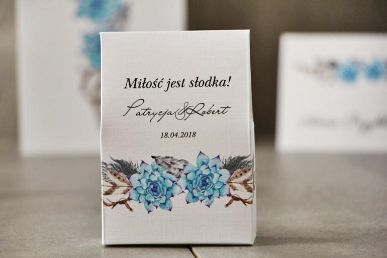 Pudełeczko stojące na cukierki, podziękowania dla Gości weselnych - Pistacjowe nr 21 - W stylu boho z błękitnymi sukulentami
