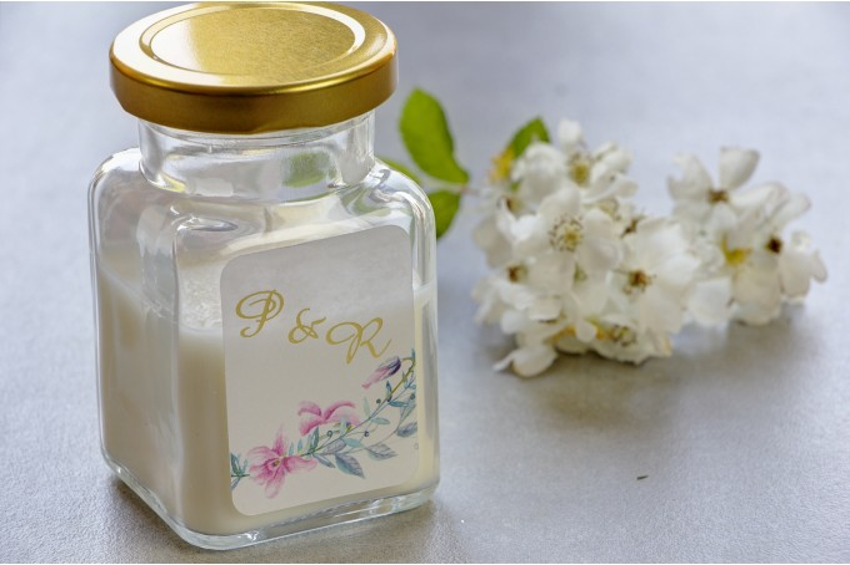 Świeczki - nowe podziękowania i upominki dla gości weselnych, ślubnych. Złocenie na etykiecie oraz grafiką.