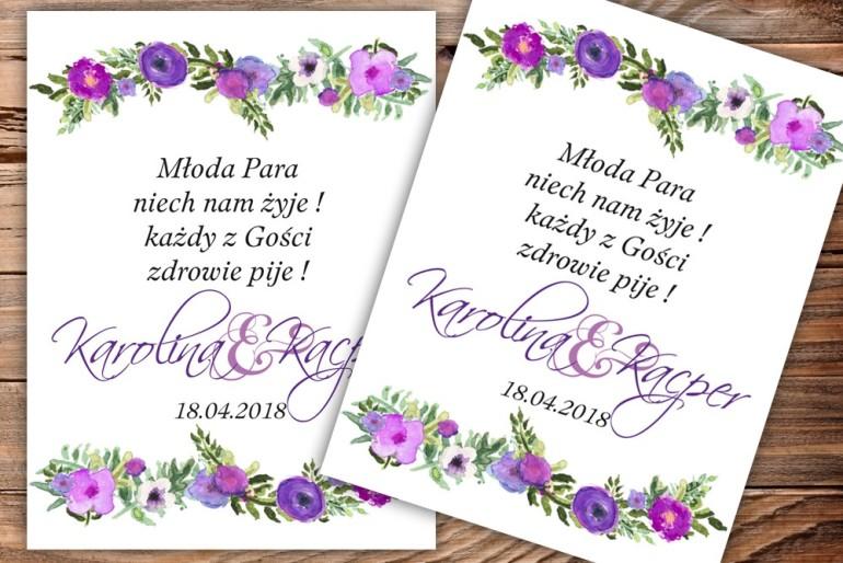 Etykiety samoprzylepne na butelki weselne, ślubne z grafiką fioletowych drobnych kwiatów